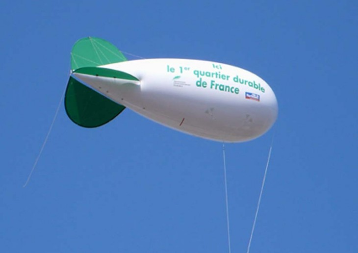 blimp-de-Narbonne-en-vol-900