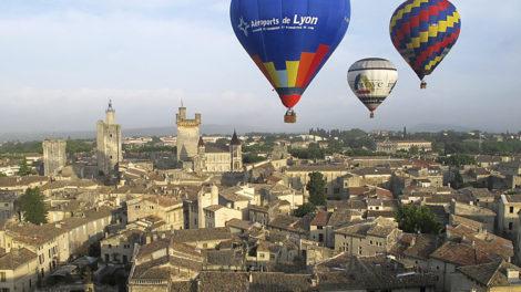 Vol de montgolfières au-dessus d'Uzès
